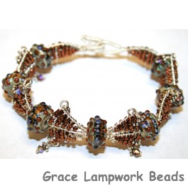 LC-10305001 - Bracelet using Pepper Spice Beads