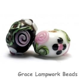 10107501 - Seven Black/White w/Flower & Leaf Rondelle Beads