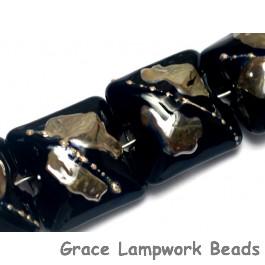 10204104 - Seven Elegant Black Metallic Pillow Beads