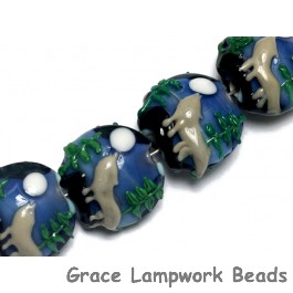 10414512 - Four Howling at the Moon Lentil Beads