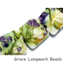 10504504 - Seven White & Purple Flora Pillow Beads