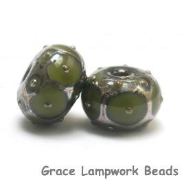 10505301 - Seven Pine Green w/Metal Dots Rondelle Beads