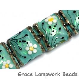 10508514 - Four Seafoam Florals Pillow Beads