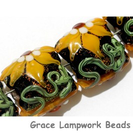 10801814 - Four Goldie's Elegance Pillow Beads