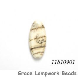 11810901 - Dark Ivory w/Silver Oval Focal Bead