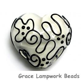 11813125 - Black & White Heart (Large)